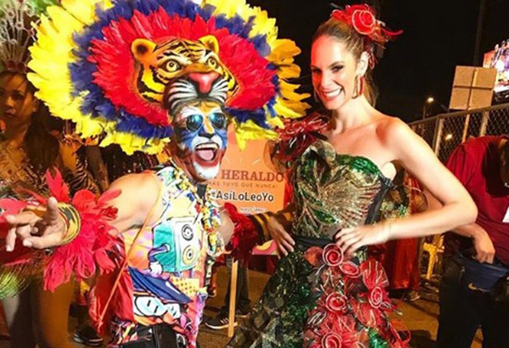 La presentadora Julieta Piñeres una de las más rumberas en la noche del carnaval.