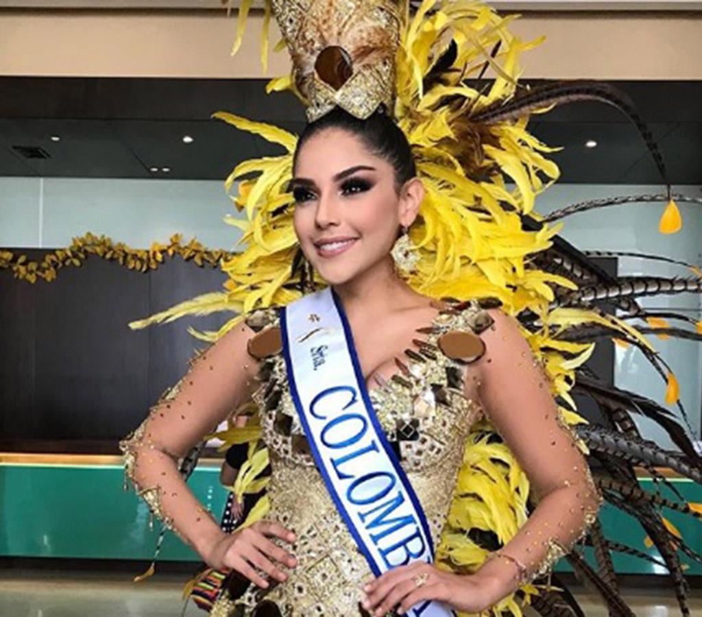 La actual virreina Universal, Laura González, lució muy bella para el tradicional desfile de la Batalla de Flores.